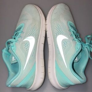 Nike Shoes - Nike Free RN Shoes